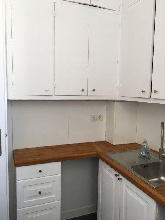 Appartement à louer 4 65.02m2 à Vanves vignette-6