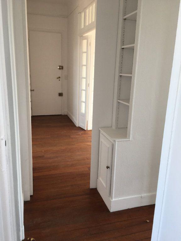 Appartement à louer 4 65.02m2 à Vanves vignette-8