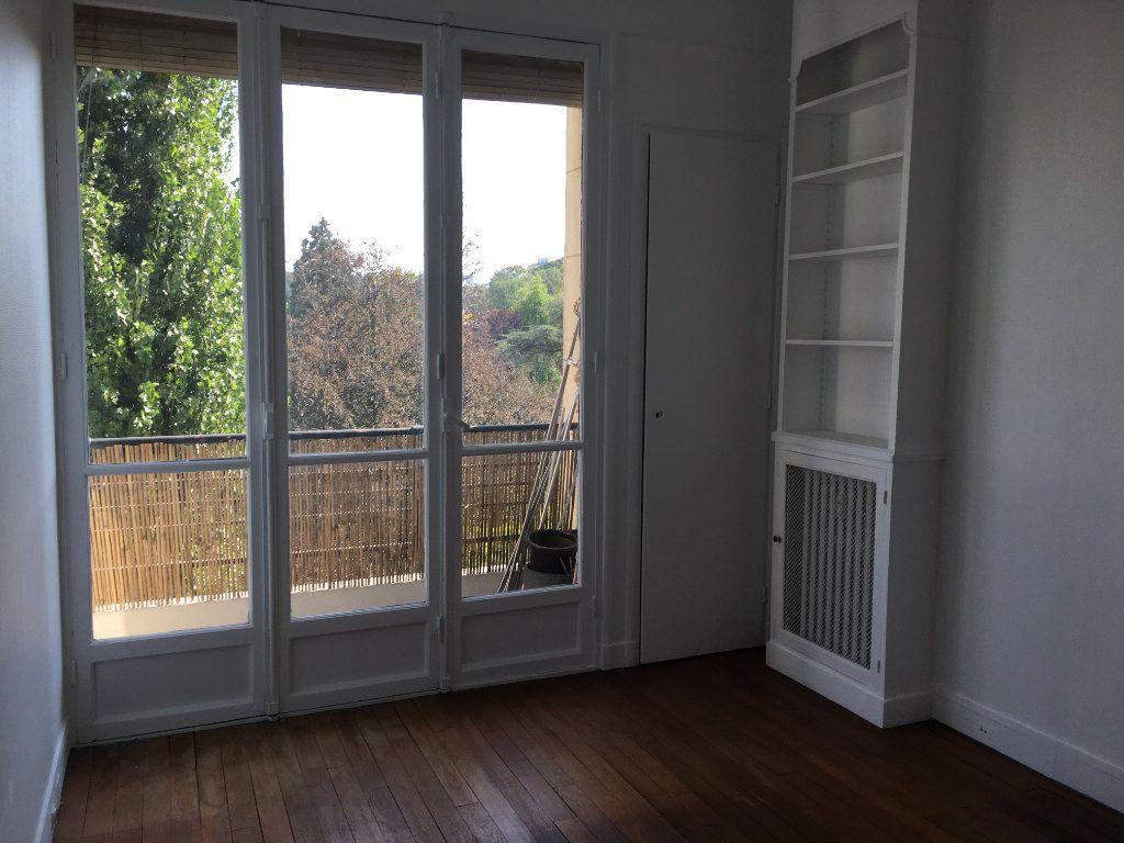 Appartement à louer 4 65.02m2 à Vanves vignette-9