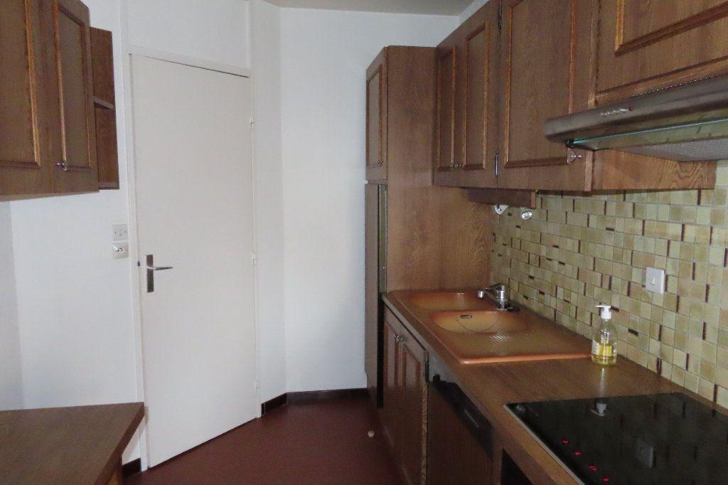 Appartement à louer 3 72.21m2 à Vanves vignette-5