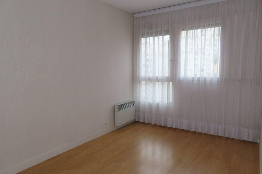 Appartement à louer 3 72.21m2 à Vanves vignette-6