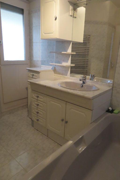 Appartement à louer 3 72.21m2 à Vanves vignette-9