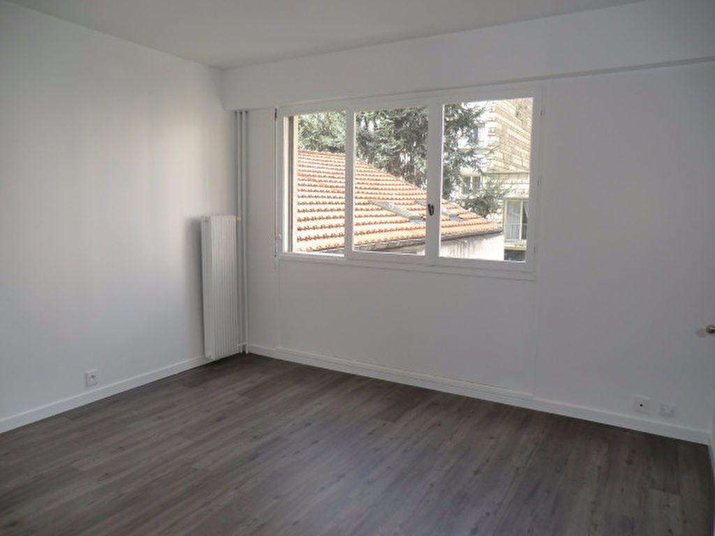 Appartement à louer 1 21.3m2 à Vanves vignette-1