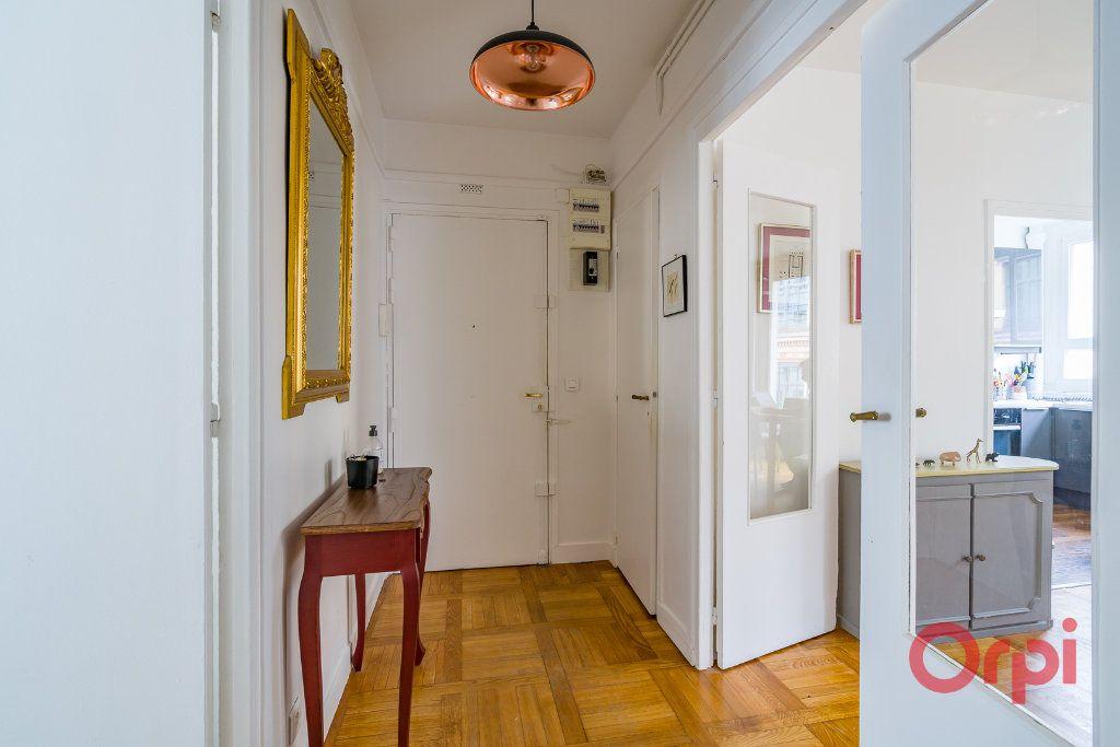 Appartement à vendre 4 74m2 à Paris 15 vignette-8