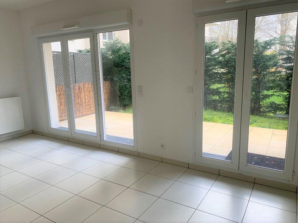 Appartement à louer 1 31.39m2 à Châtillon vignette-3