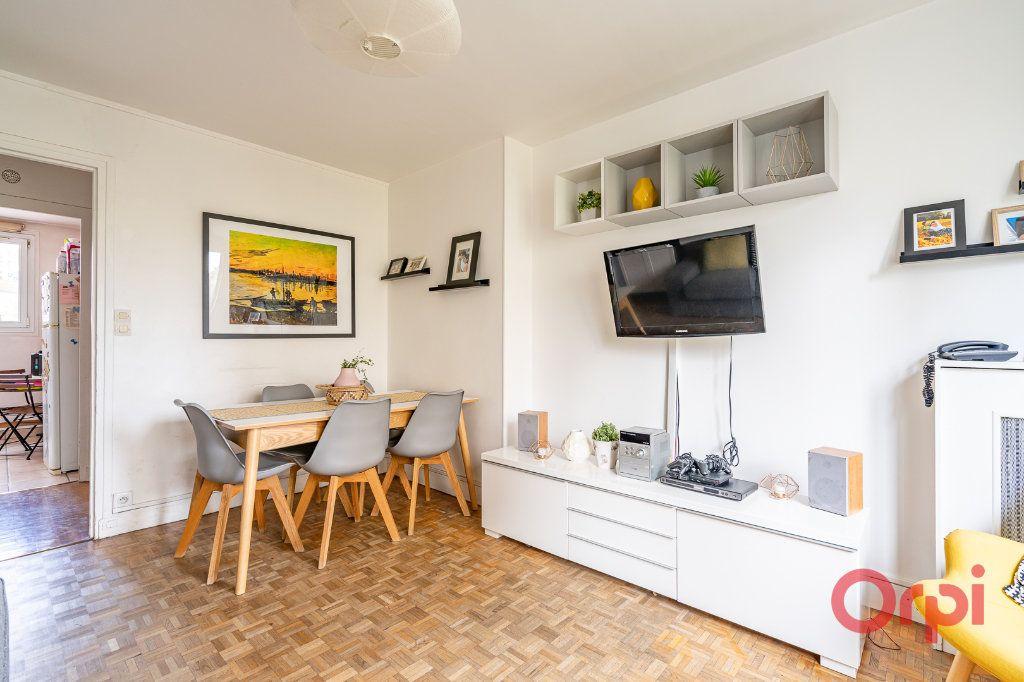Appartement à vendre 4 72.09m2 à Vanves vignette-2