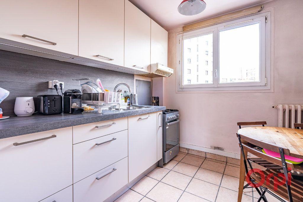 Appartement à vendre 4 72.09m2 à Vanves vignette-3