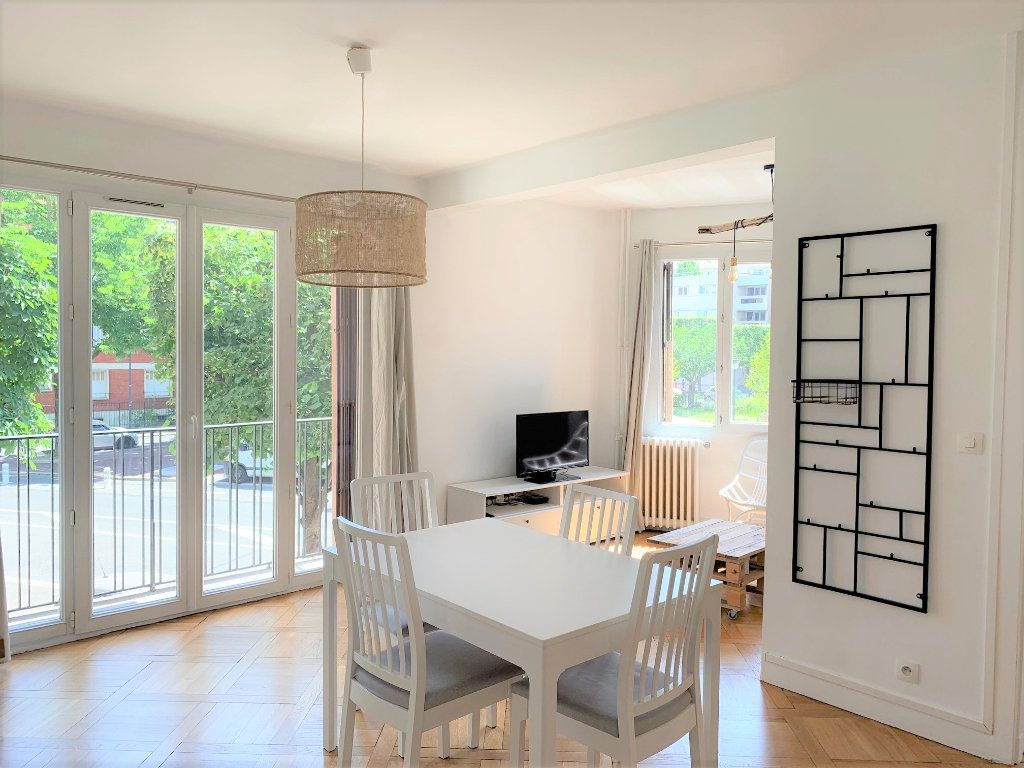 Appartement à louer 3 51.3m2 à Vanves vignette-2