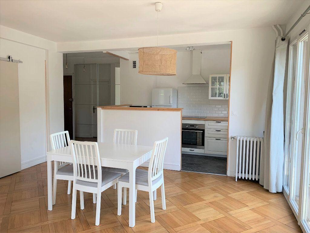Appartement à louer 3 51.3m2 à Vanves vignette-3