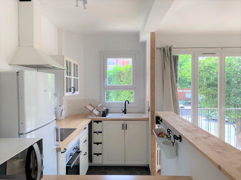 Appartement à louer 3 51.3m2 à Vanves vignette-4
