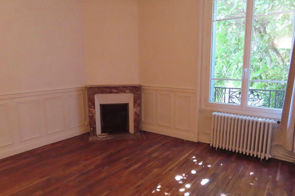 Appartement à louer 2 32.75m2 à Vanves vignette-1