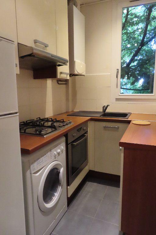 Appartement à louer 2 32.75m2 à Vanves vignette-3