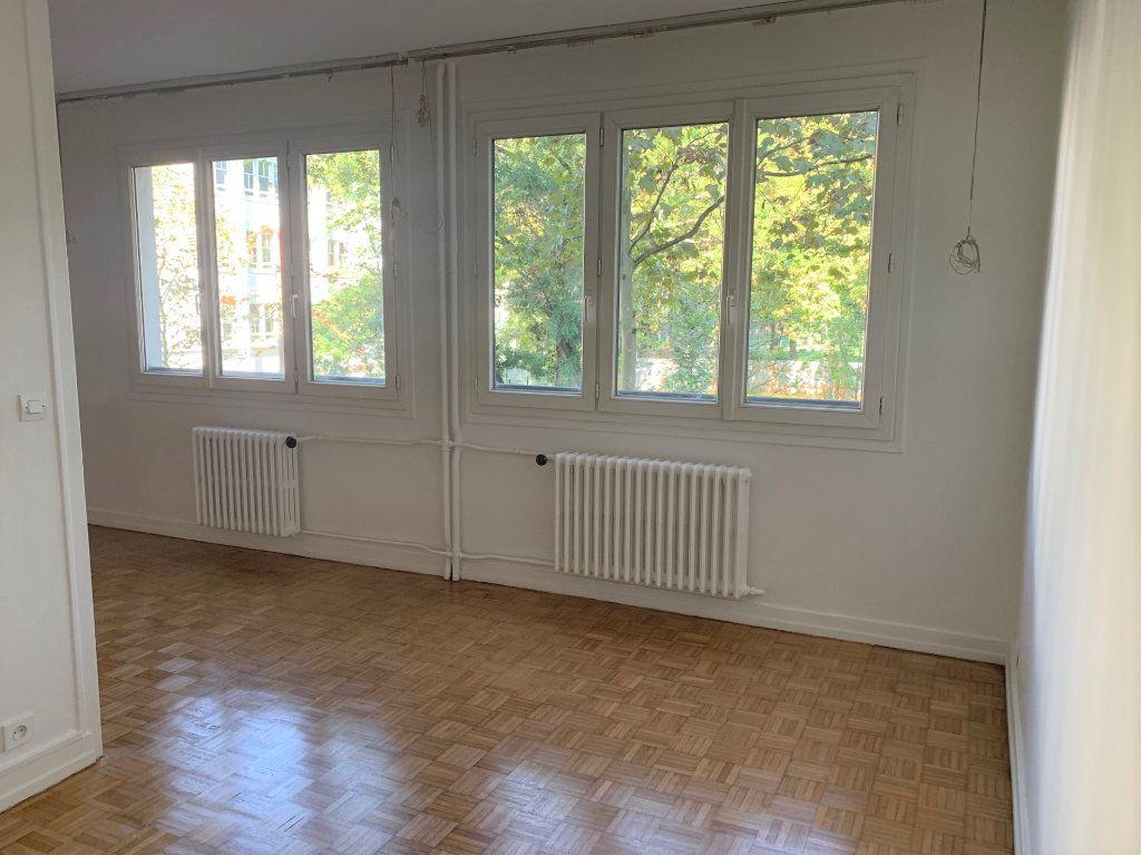 Appartement à louer 3 62.2m2 à Vanves vignette-2
