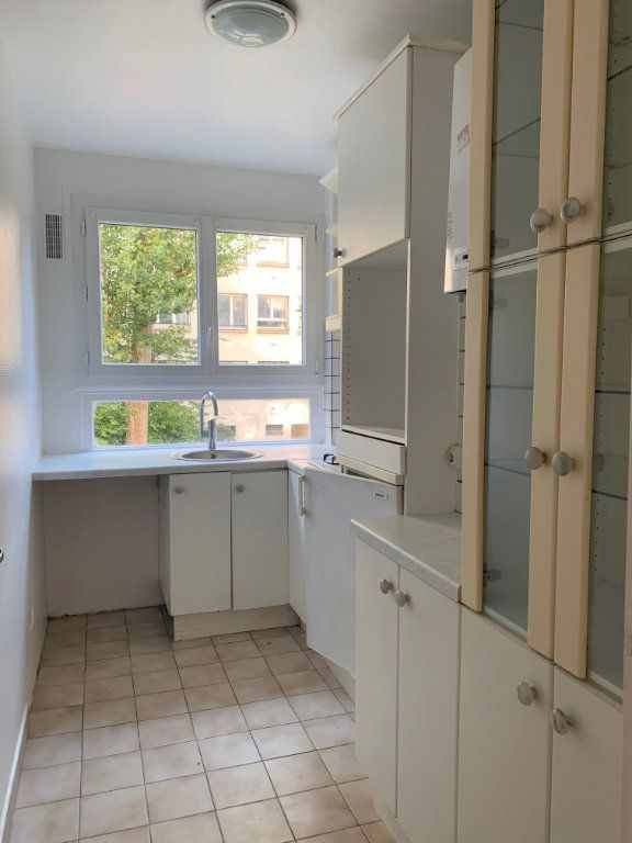 Appartement à louer 3 62.2m2 à Vanves vignette-4