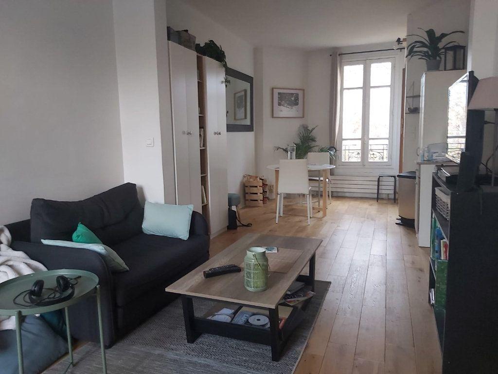 Appartement à louer 2 42.47m2 à Vanves vignette-1