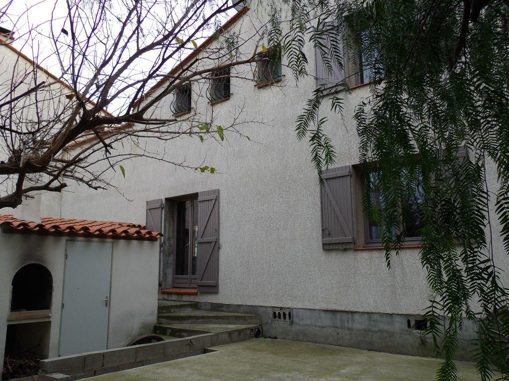Maison à vendre 7 170m2 à Perpignan vignette-3