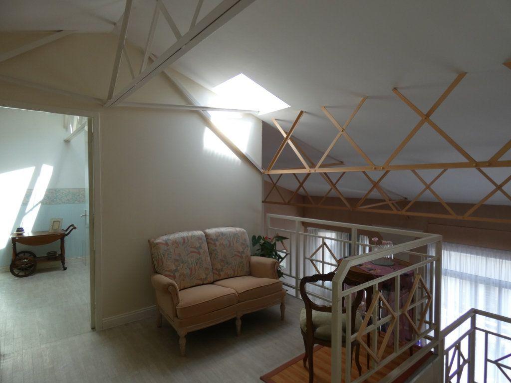 Appartement à vendre 4 148.78m2 à Perpignan vignette-2