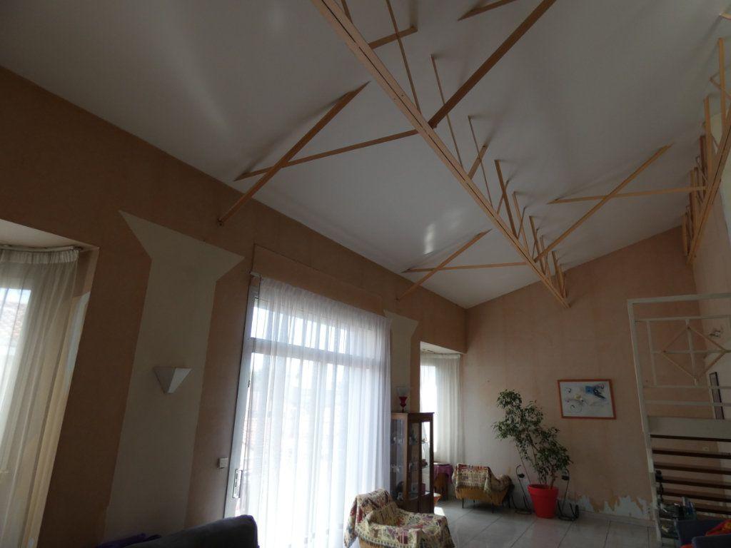 Appartement à vendre 4 148.78m2 à Perpignan vignette-3