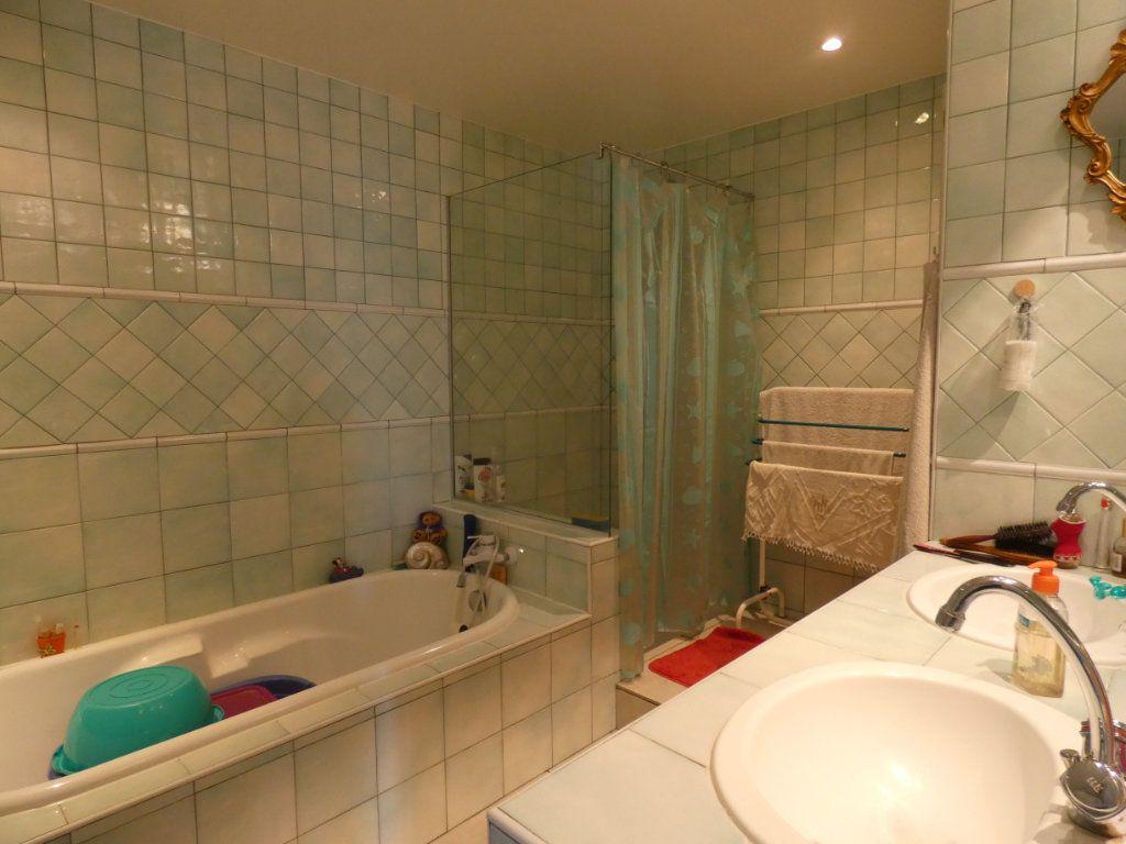 Appartement à vendre 4 148.78m2 à Perpignan vignette-6