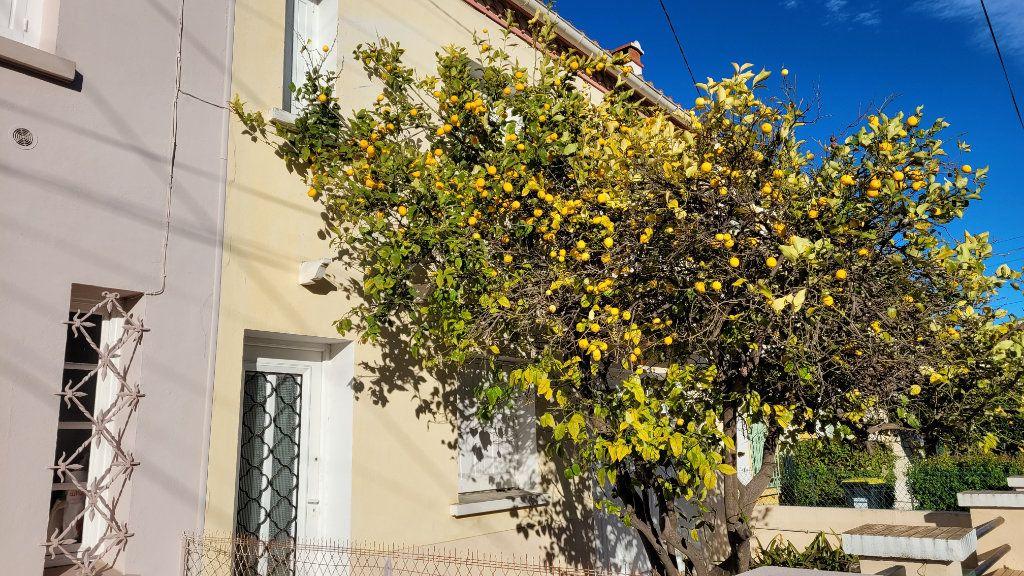 Maison à vendre 4 126m2 à Perpignan vignette-1