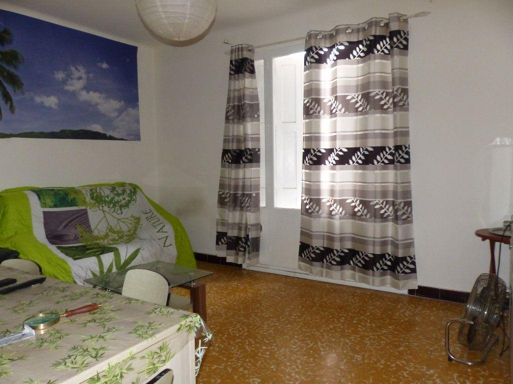 Maison à vendre 4 126m2 à Perpignan vignette-6