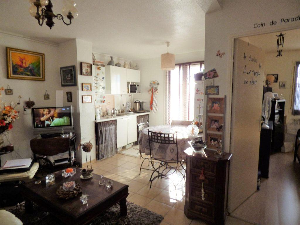 Appartement à vendre 2 33m2 à Perpignan vignette-1