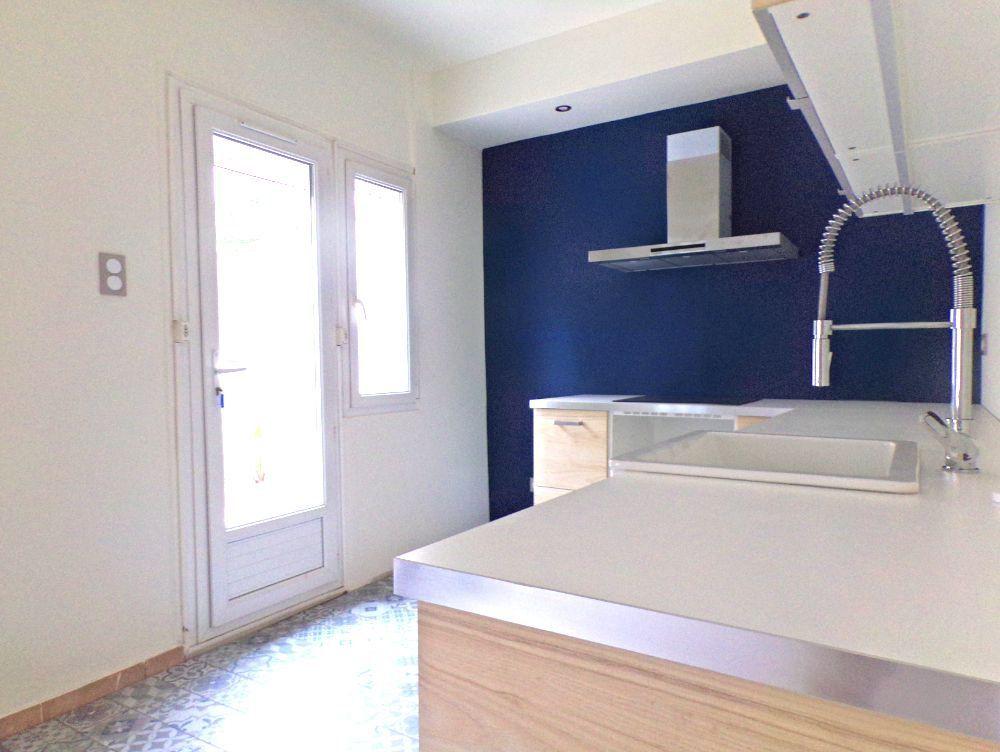 Maison à louer 6 107m2 à Perpignan vignette-3