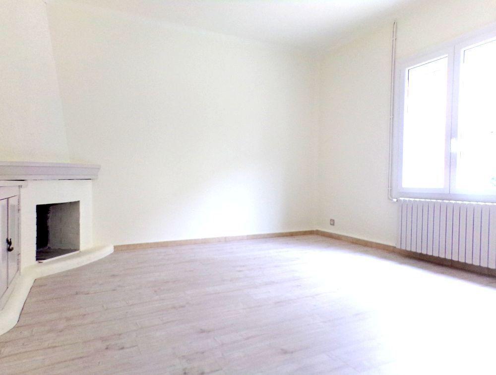 Maison à louer 6 107m2 à Perpignan vignette-4