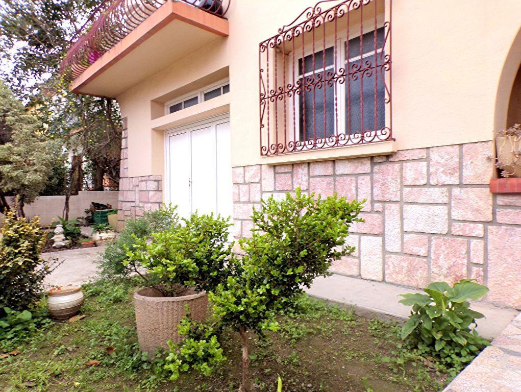 Maison à vendre 5 115m2 à Perpignan vignette-1