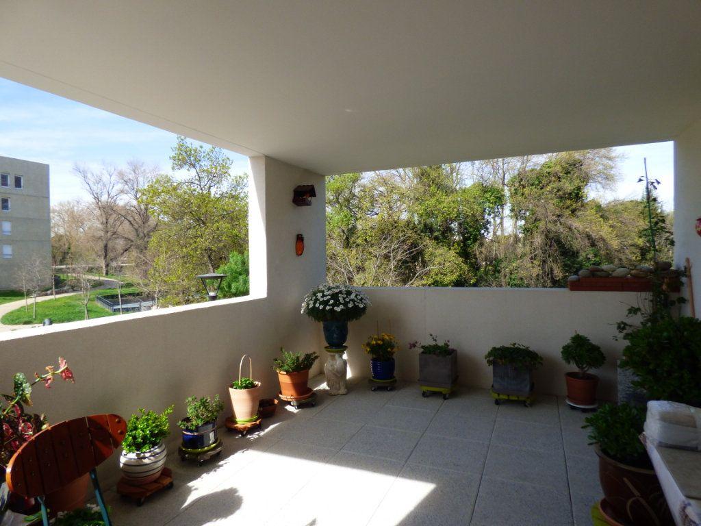 Appartement à vendre 3 65m2 à Perpignan vignette-2