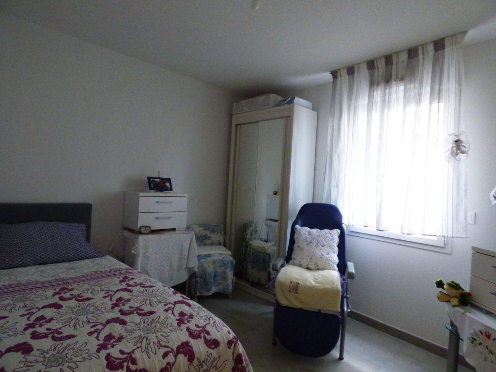 Appartement à vendre 3 65m2 à Perpignan vignette-4