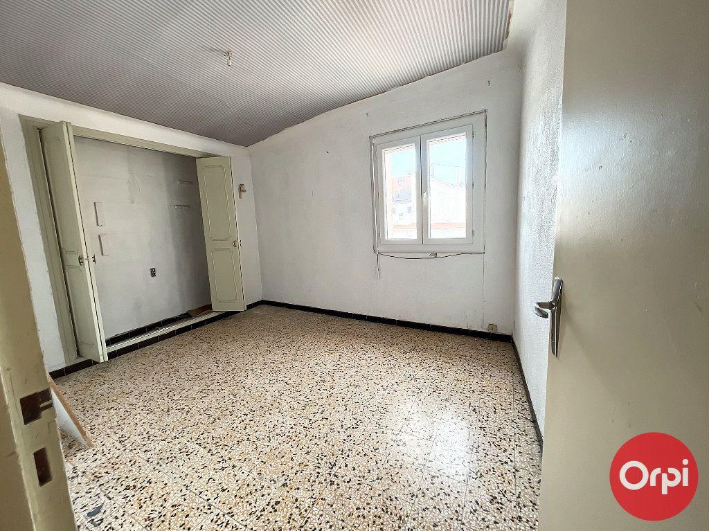Immeuble à vendre 0 195m2 à Pia vignette-7