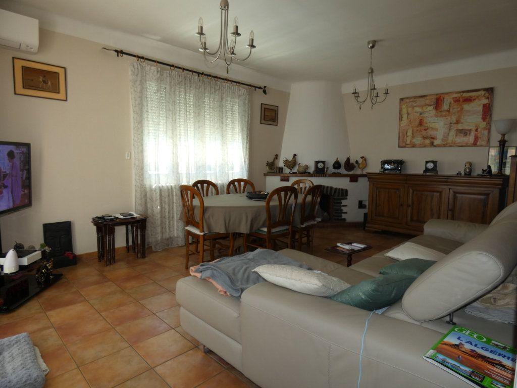 Maison à vendre 5 160m2 à Perpignan vignette-3