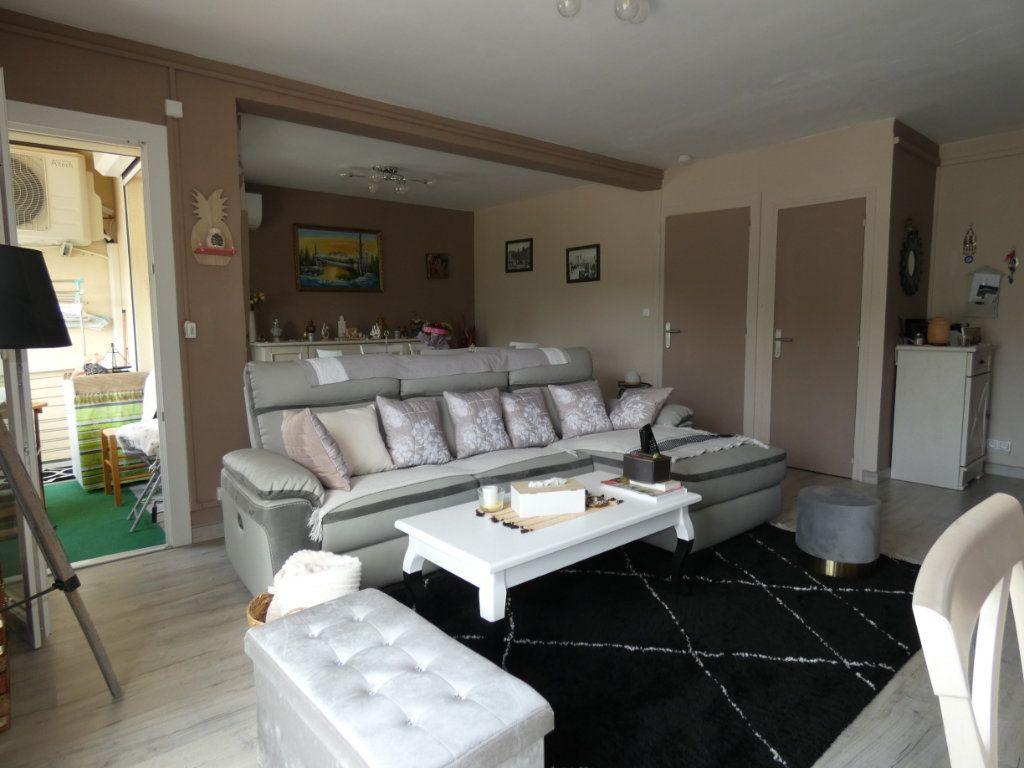 Appartement à vendre 2 64m2 à Perpignan vignette-1