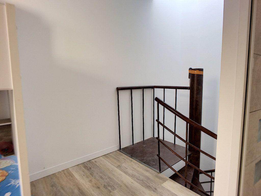 Maison à vendre 5 160m2 à Rivesaltes vignette-6