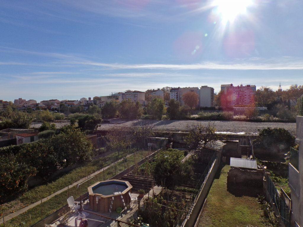 Maison à vendre 4 120m2 à Perpignan vignette-4