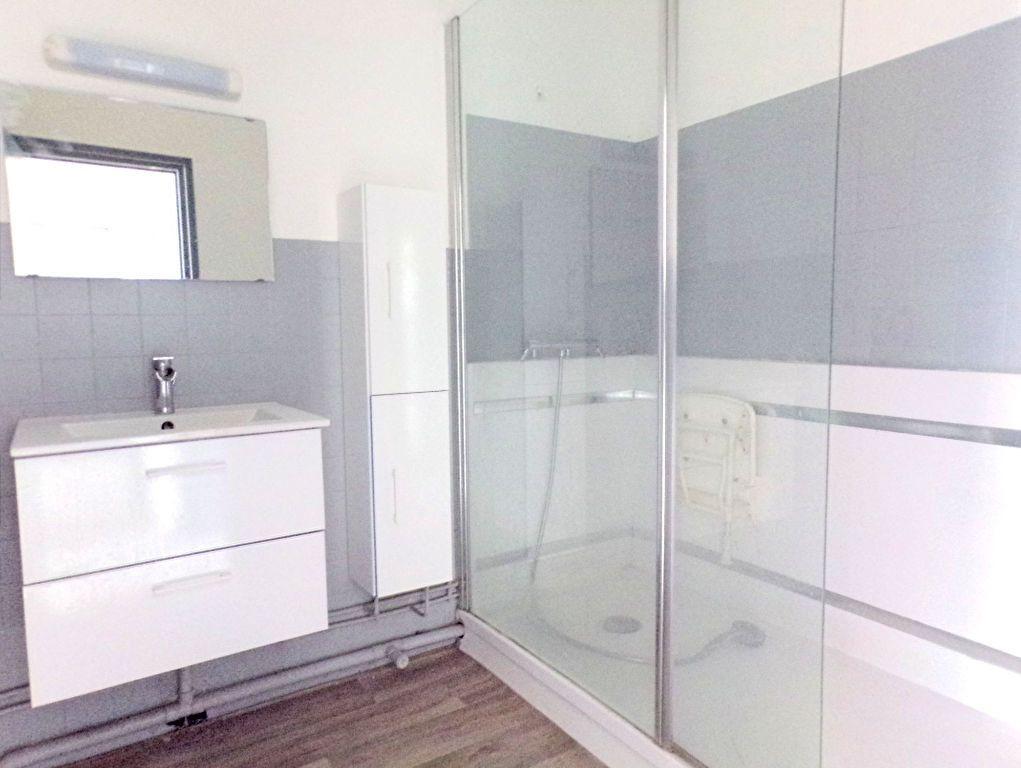 Appartement à vendre 3 64m2 à Perpignan vignette-2