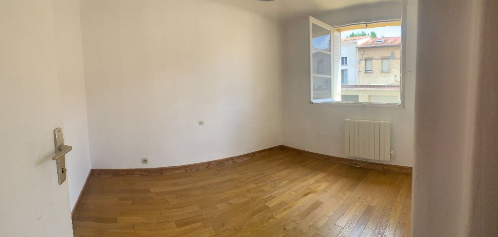 Appartement à louer 2 33.14m2 à Perpignan vignette-1