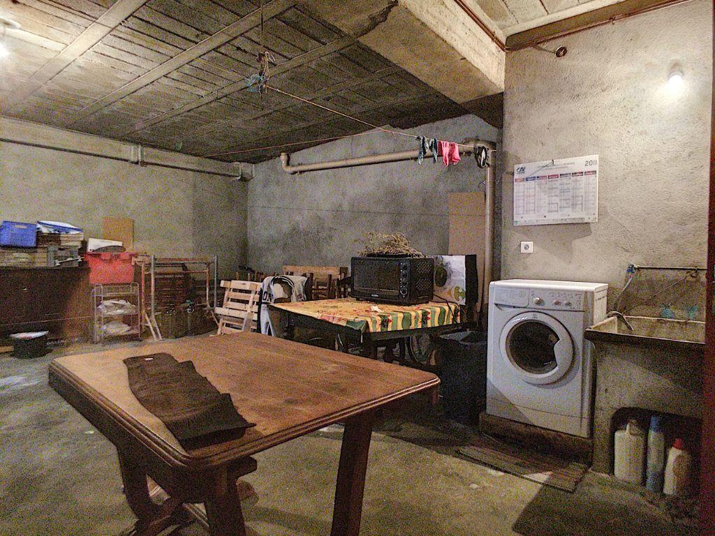 Maison à vendre 4 100m2 à Saint-Paul-de-Fenouillet vignette-5