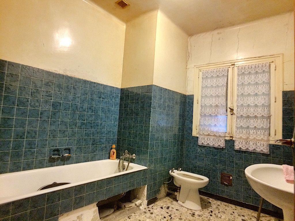 Maison à vendre 4 100m2 à Saint-Paul-de-Fenouillet vignette-9