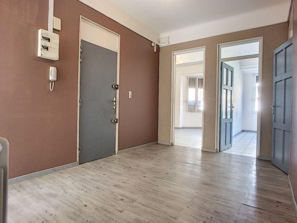 Appartement à vendre 4 84.4m2 à Perpignan vignette-2