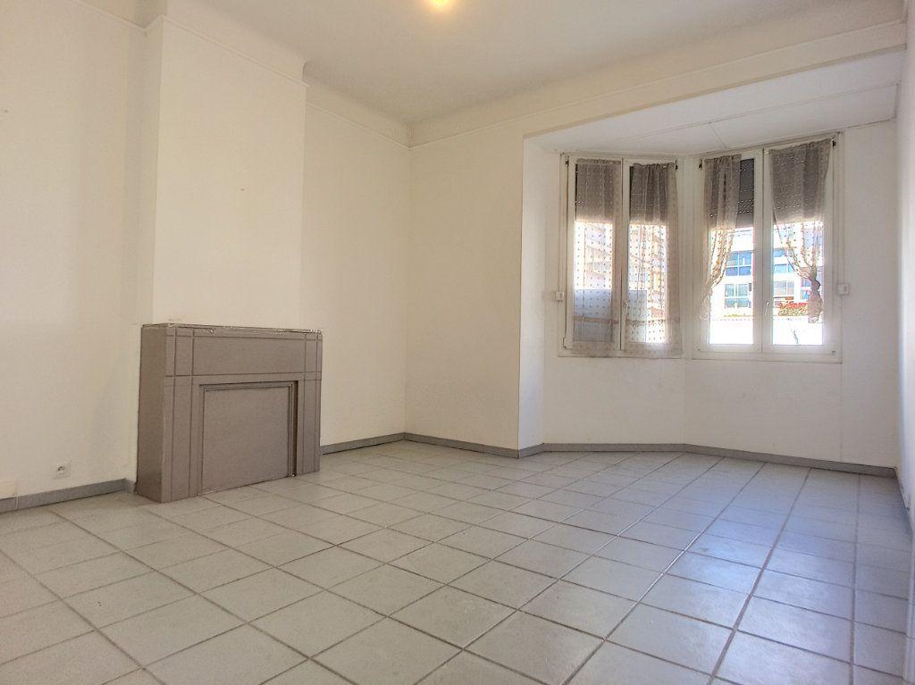 Appartement à vendre 4 84.4m2 à Perpignan vignette-3
