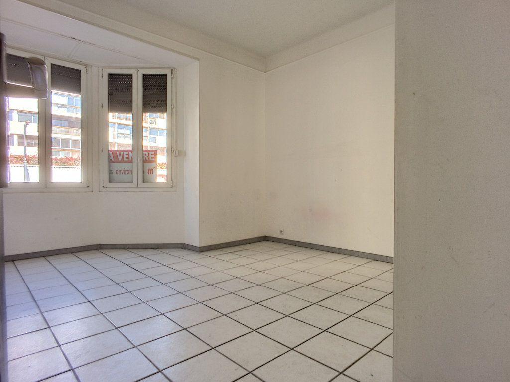 Appartement à vendre 4 84.4m2 à Perpignan vignette-9