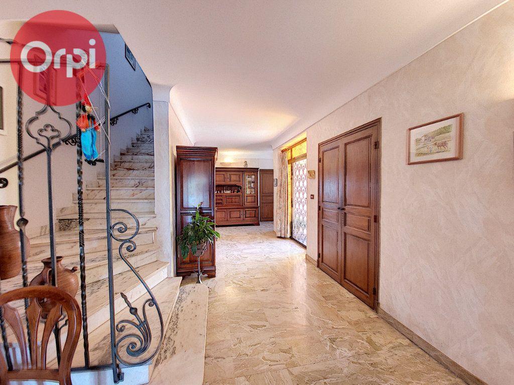 Maison à vendre 7 230m2 à Perpignan vignette-6