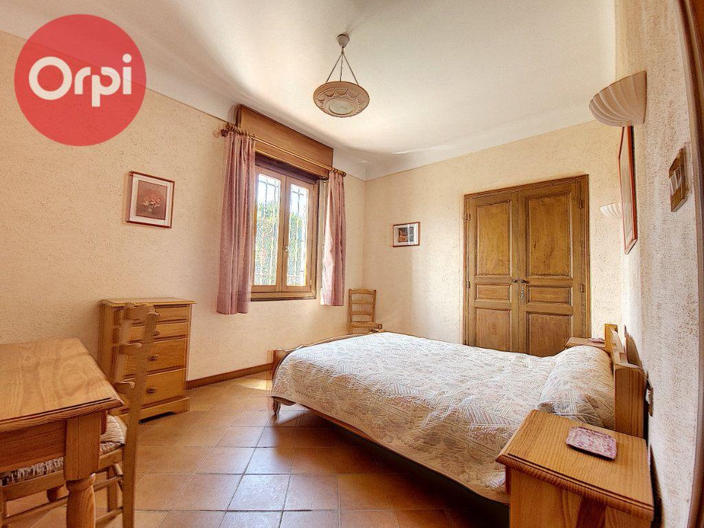 Maison à vendre 7 230m2 à Perpignan vignette-8