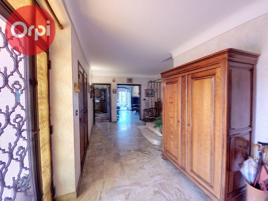 Maison à vendre 7 230m2 à Perpignan vignette-9