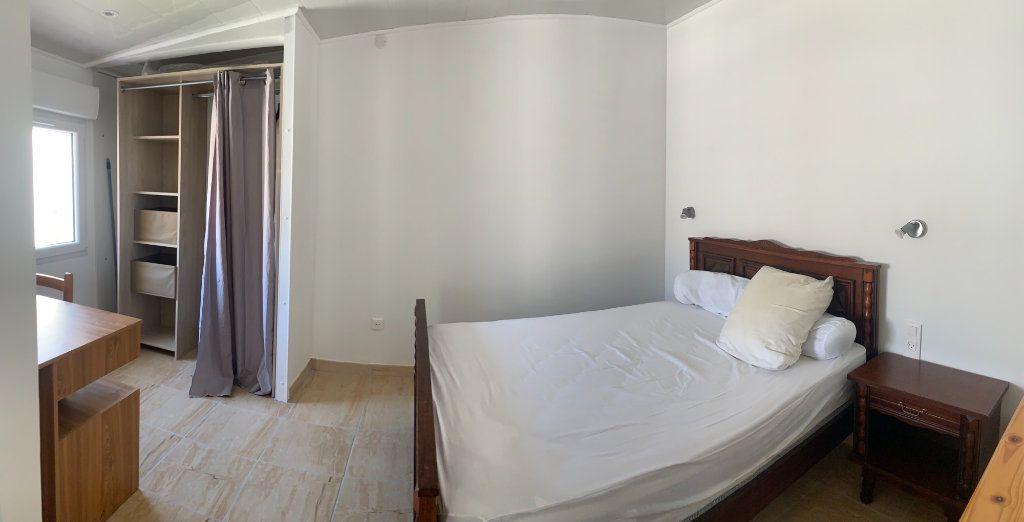 Appartement à louer 1 25m2 à Canet-en-Roussillon vignette-2