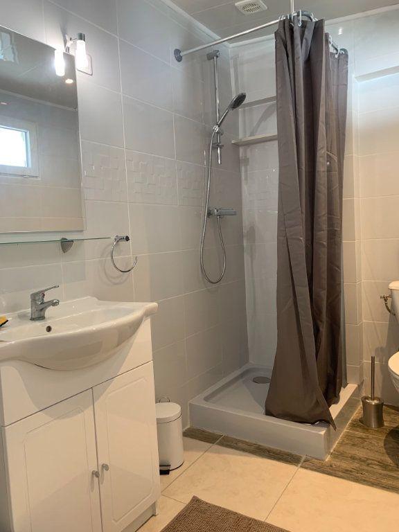 Appartement à louer 1 25m2 à Canet-en-Roussillon vignette-4
