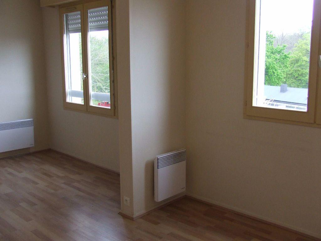 Appartement à louer 1 25m2 à Noisiel vignette-2
