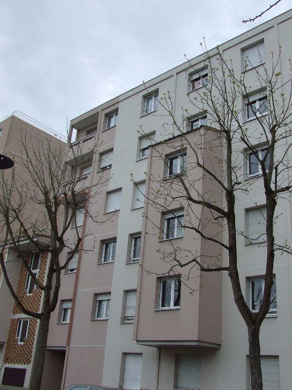 Appartement à louer 1 25m2 à Noisiel vignette-3